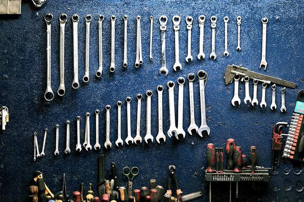 wózek warsztatowy z narzędziami